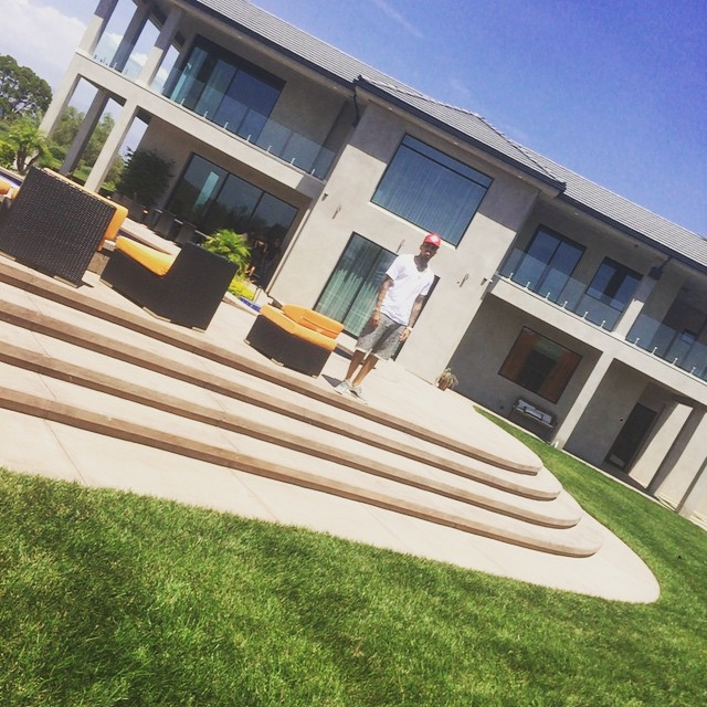 chris brown gets new apartment for him and baby royalty celebrities nigeria - Brown Apartment 2015