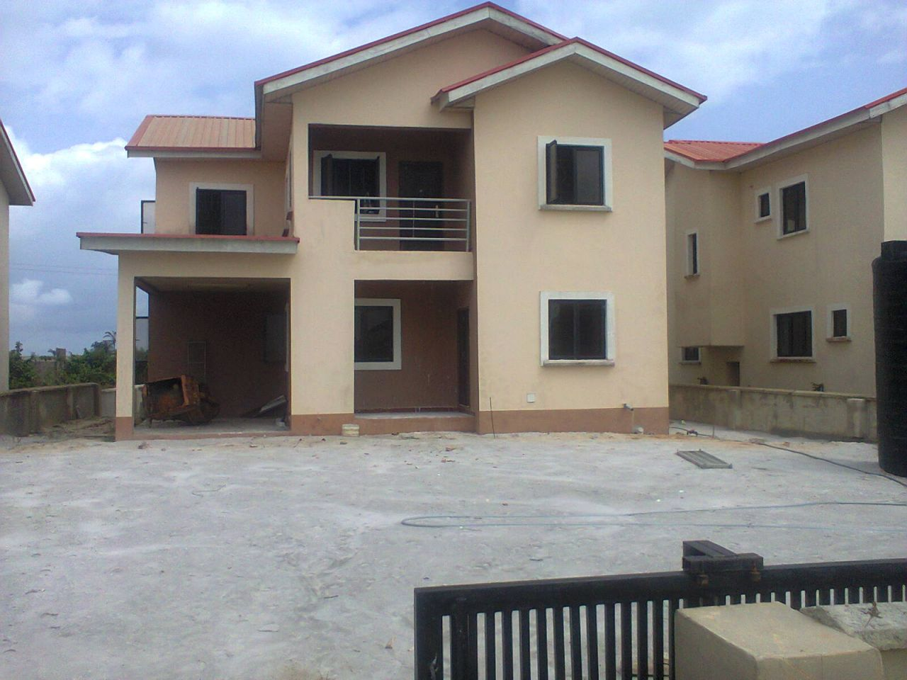 5 bedroom detached duplex with a bq in a serviced estate located of orchid hotel road eleganza price 2 5m address hse 25 benua vista estate eleganza