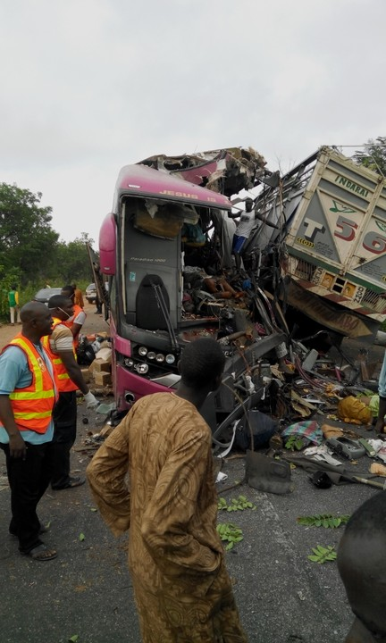 30 People Die In Kogi Road Accident Today - Car Talk (4) - Nigeria
