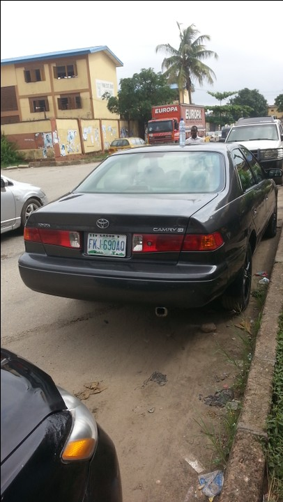Nija Used Camry Droplight 2001 Model
