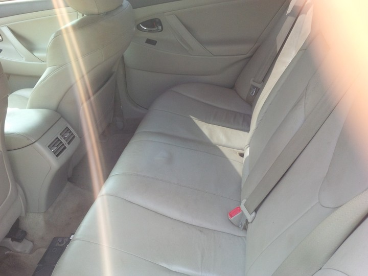 extremely clean 2008 toyota camry with thumbstart leather interior and navigatio autos nigeria. Black Bedroom Furniture Sets. Home Design Ideas