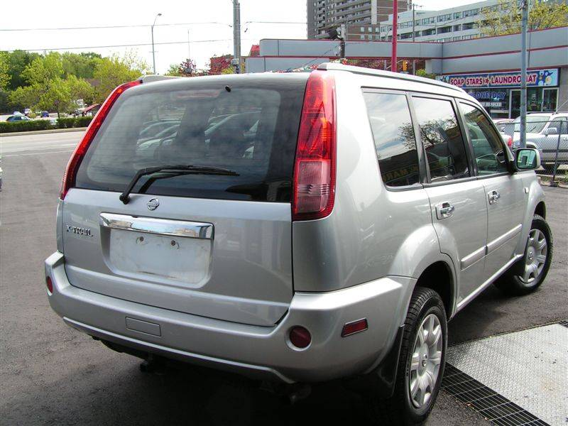 officially closed 2005 nissan x trail one owner. Black Bedroom Furniture Sets. Home Design Ideas