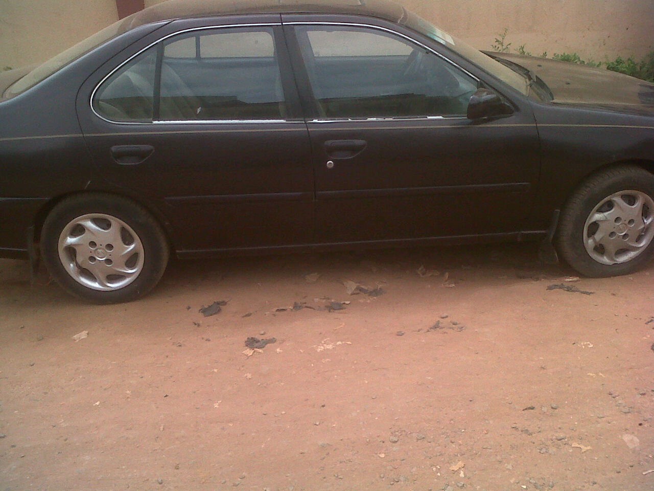 a nissan altima 2000 model for sale at 450000 autos