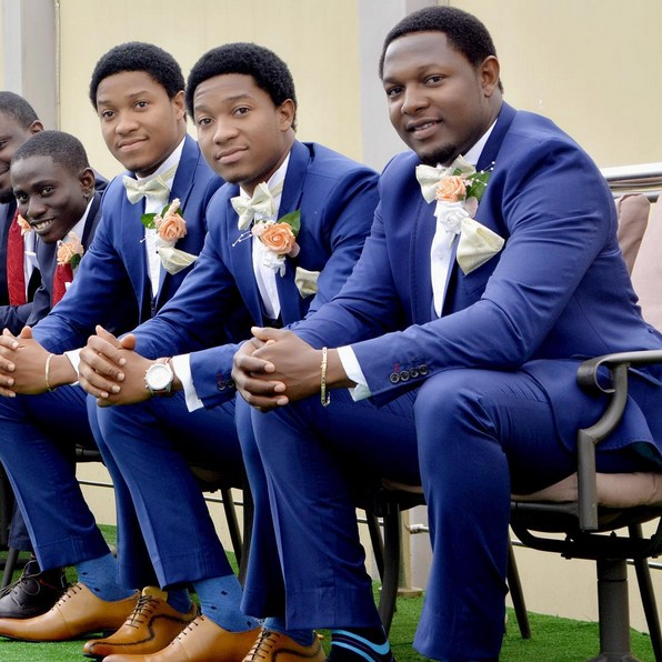 Twin Brothers Play Best Man Role At Wedding (photos