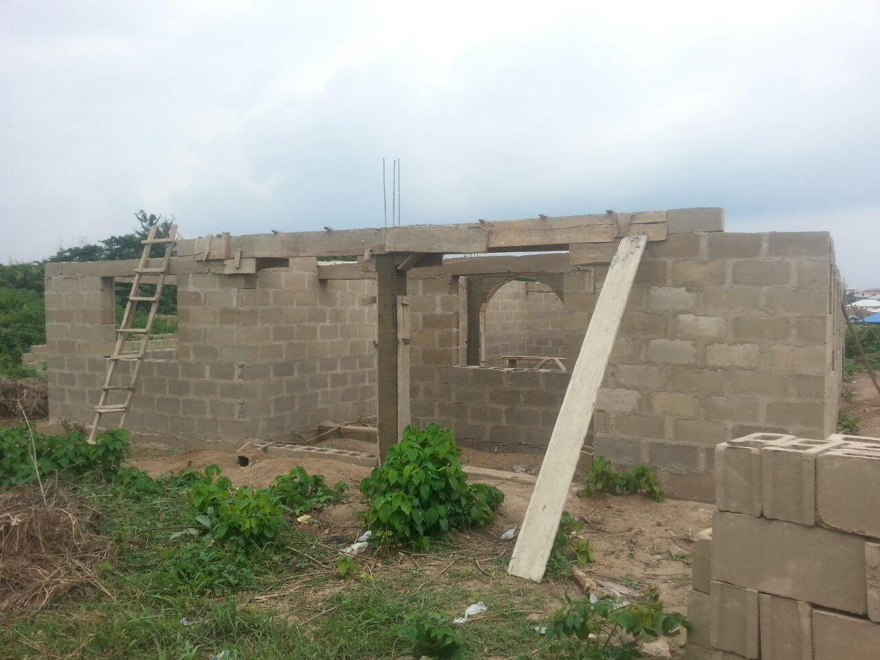 The first 4 pics was from foundation to lintel which cost me about 1 2m i spent about 400k on lintel attached here is the picture after lintel