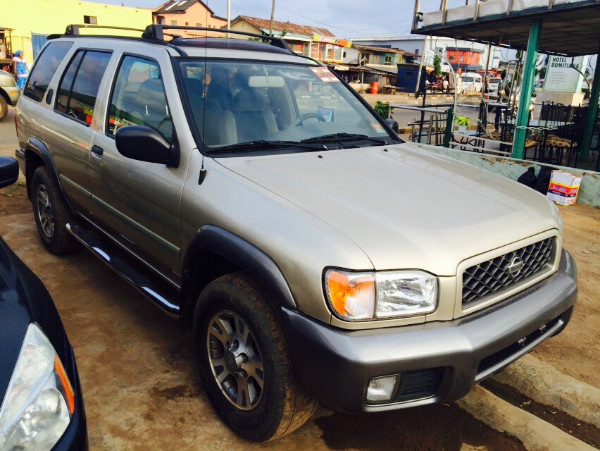 tokunbo 2001 nissan pathfinder se sold sold. Black Bedroom Furniture Sets. Home Design Ideas