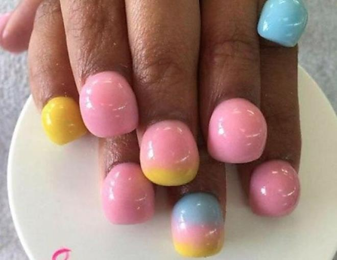 What\'s With The Bizarre New \'bubble Nails\' Everyone Is Obsessed With ...