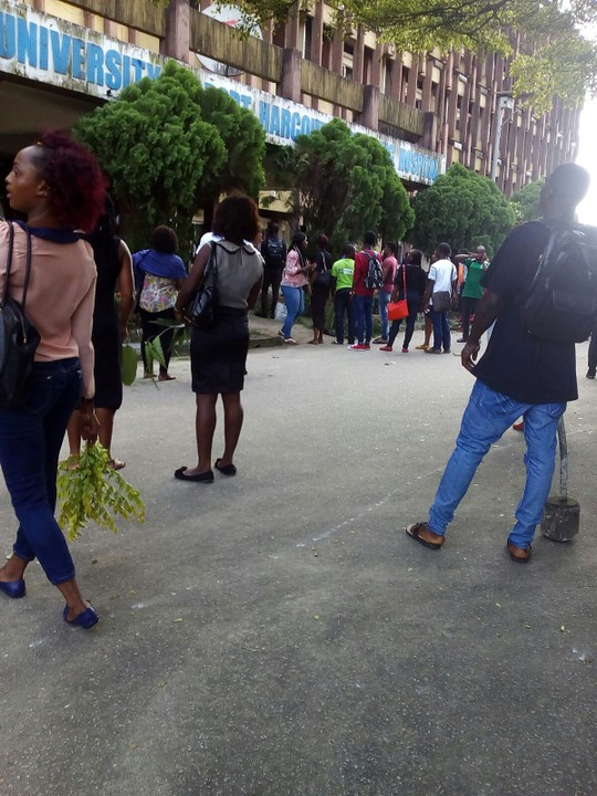 Protest in Uniport Teaching Hospital today due to the death of a student
