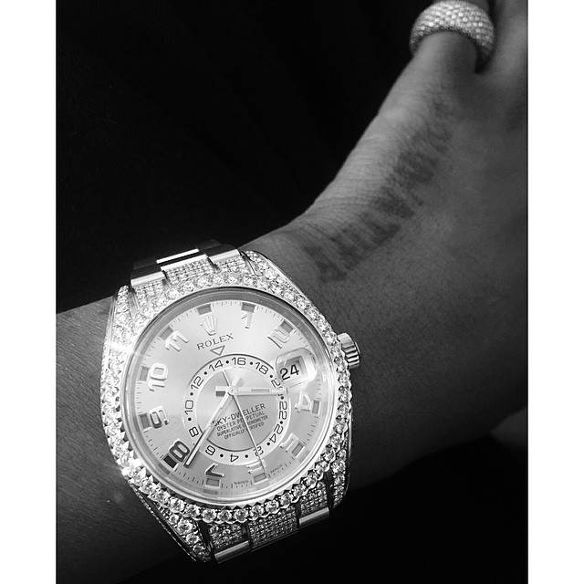 Wizkid davido kcee d 39 banj flaunt their most expensive wrist watches and cost celebrities for Celebrity wrist watches