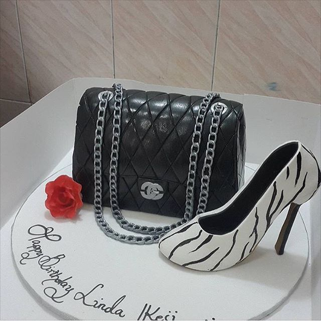 Linda Ikeji 35th Birthday Cake Sent To Her By Sweet Indulgence