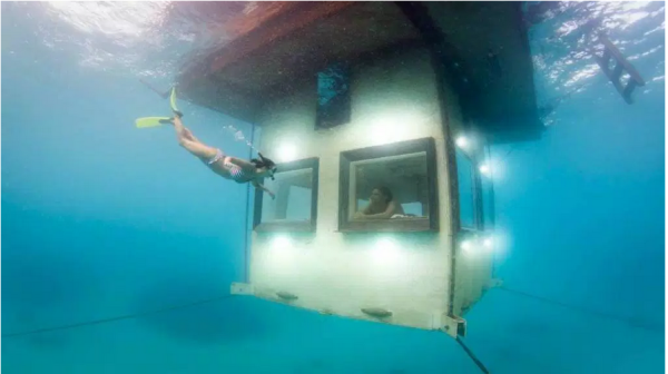underwater hotel room at night. Genberg With A Total Of 17 Rooms And Costs Range $900 (Singles) \u2013 $1,500 (couple) For One Night. When Would We Have Like This In Nigeria? Underwater Hotel Room At Night I