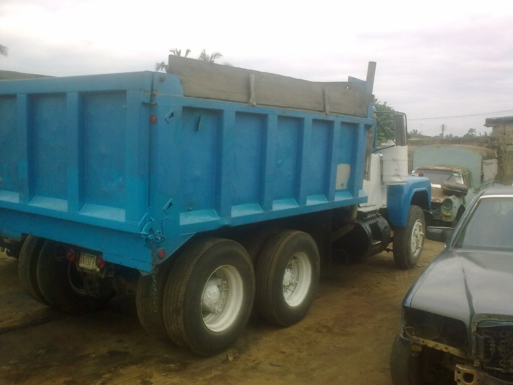 2 Tippers (mack Dump Trucks)For Sale. Very NEAT.Good ...