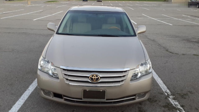i need a full option 2006 toyota camry or 2005 toyota avalon autos 2 n. Black Bedroom Furniture Sets. Home Design Ideas
