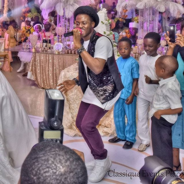 Korede Bello performed at a wedding last weekend and all the guests couldn't hide their excitement (photos)