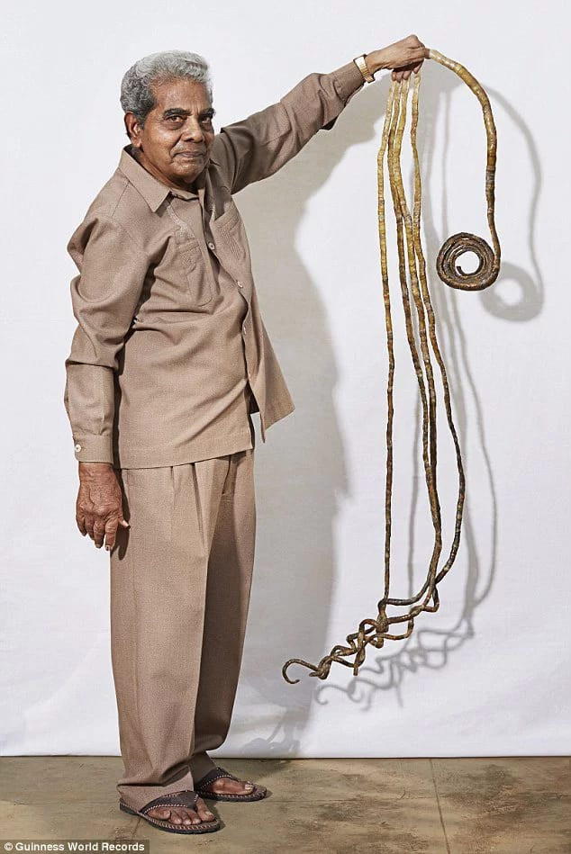 Man With World\'s Longest Nails Plans To Cut Them. Pics - Celebrities ...