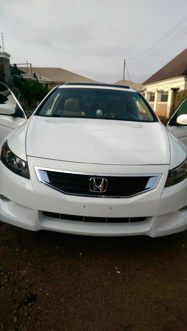 hot fresh 2009 honda accord coupe for sale abuja autos nigeria. Black Bedroom Furniture Sets. Home Design Ideas