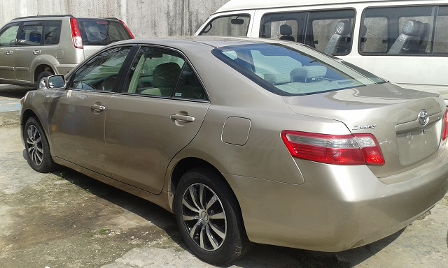 super bab toyota camry 2007 model le gold color autos nigeria. Black Bedroom Furniture Sets. Home Design Ideas
