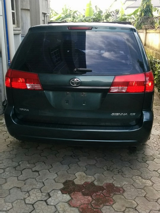 base trim 2004 toyota sienna in port harcourt autos. Black Bedroom Furniture Sets. Home Design Ideas