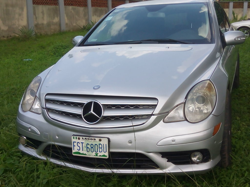 Very cheap registered 2009 mercedes benz r350 for sale for Mercedes benz r350 for sale