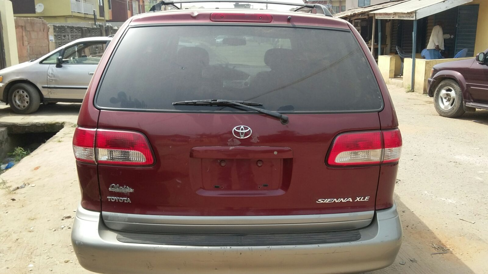 sold very clean tokunbo 2003 toyota sienna xle autos. Black Bedroom Furniture Sets. Home Design Ideas