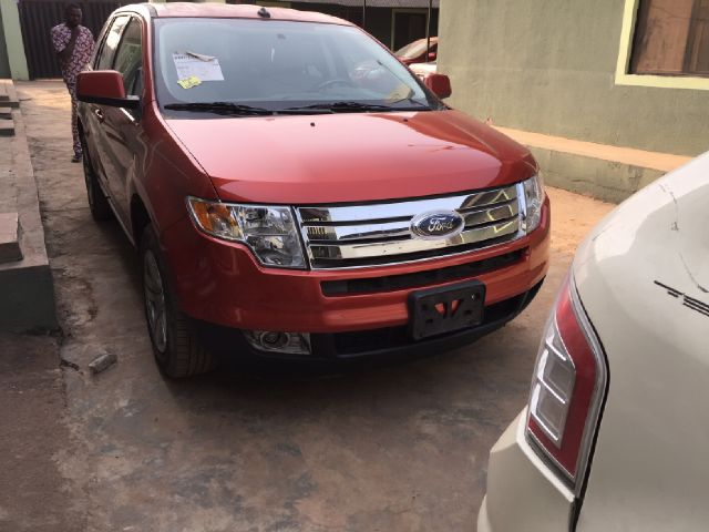 Very Clean  Ford Edge Factory Ac Fabric Interior Keyless Entry Central Lock  Disc Changer Auto Transmission Price M