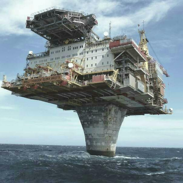how to get a job working on an oil rig
