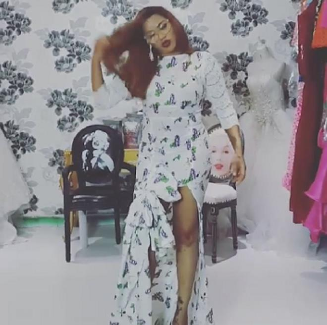 Toyin Lawani Advice Ladies To Stop Wearing Bra And Pants (See Photos)