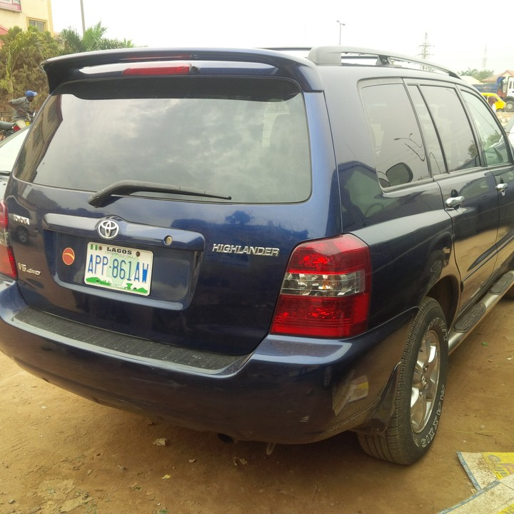 New Toyota Highlander For Sale: Neatly Used Toyota Highlander 2005 Model 4 Sale For 1.5m