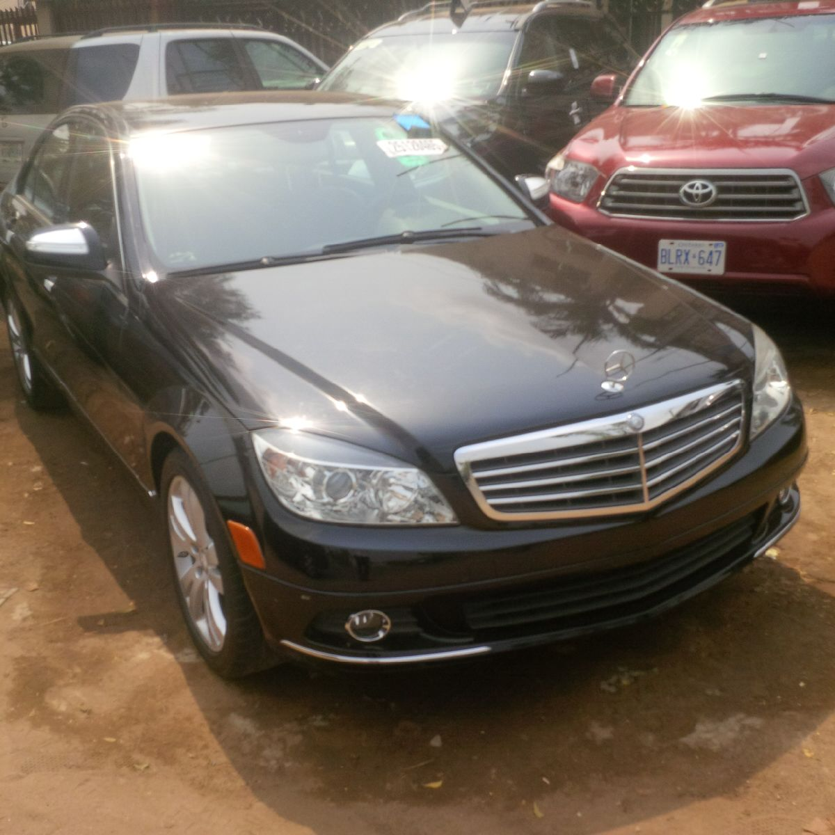 Spotlessly Clean Mercedes Benz C300 4MATIC 2009/10 Model