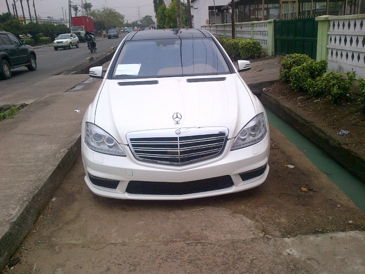 A registered 2010 mercedes benz s63 amg price for Mercedes benz amg s63 price