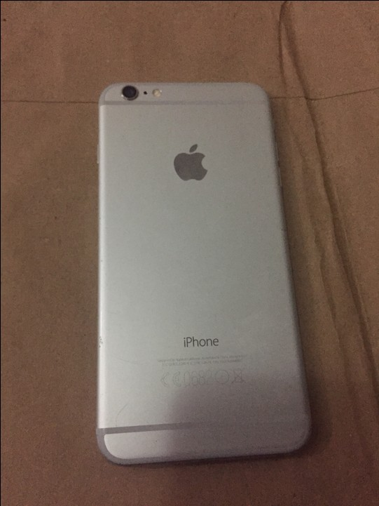 neatly used iphone 6 plus 64gb silver factory unlocked. Black Bedroom Furniture Sets. Home Design Ideas
