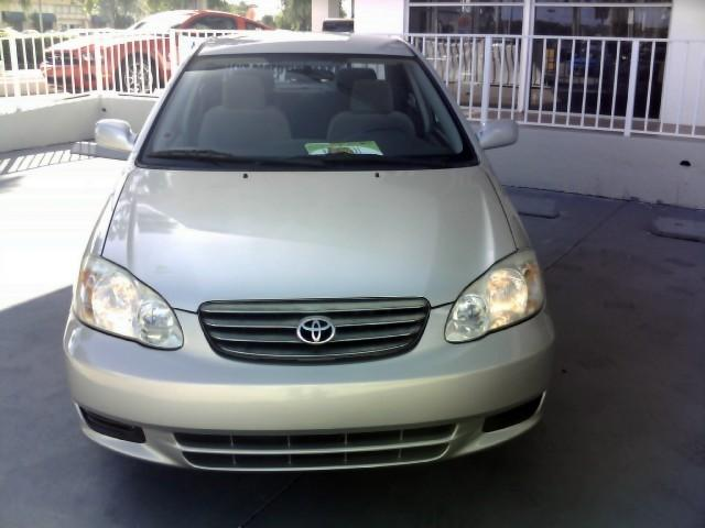 clean tokunbo toyota corolla 2004 model for sale: price:n1.650m