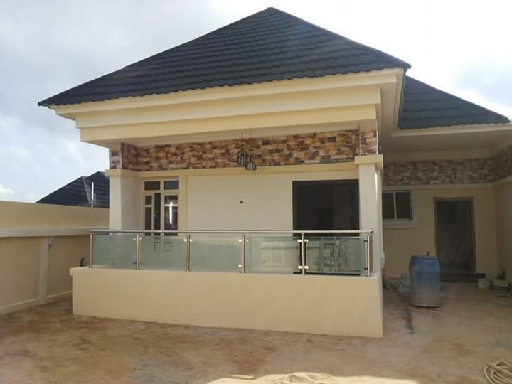 parking 3 to 4 cars location thomas estate ajah title consent price 28m net call