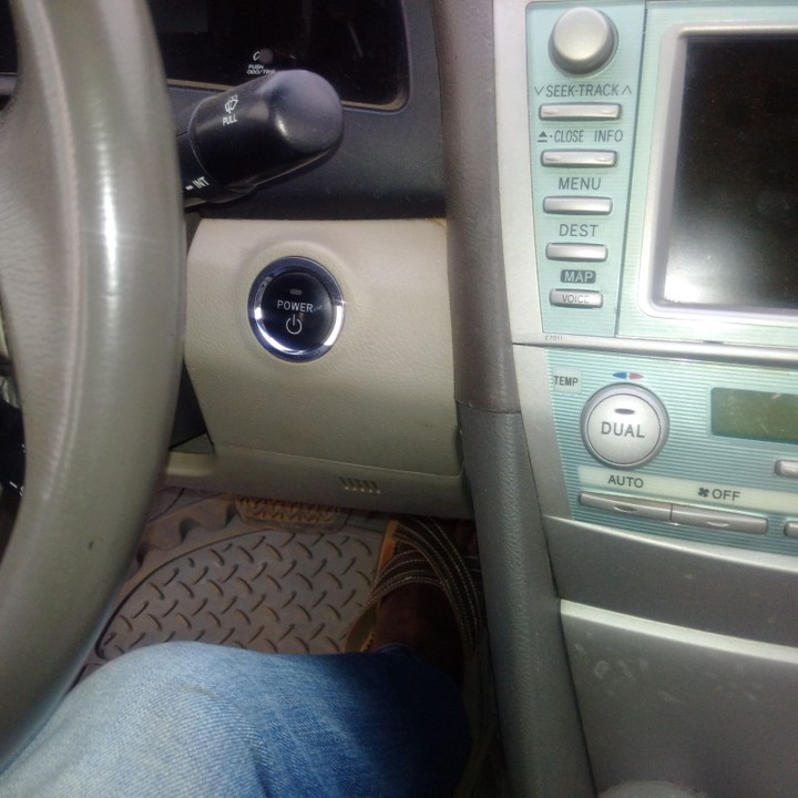 Registered Toyota Camry Hybrid 2007 With Thumb Start Button, No Issues With  The Vehicle, AC Chilling, Price Is #1.4m Location @ GRA Osogbo.