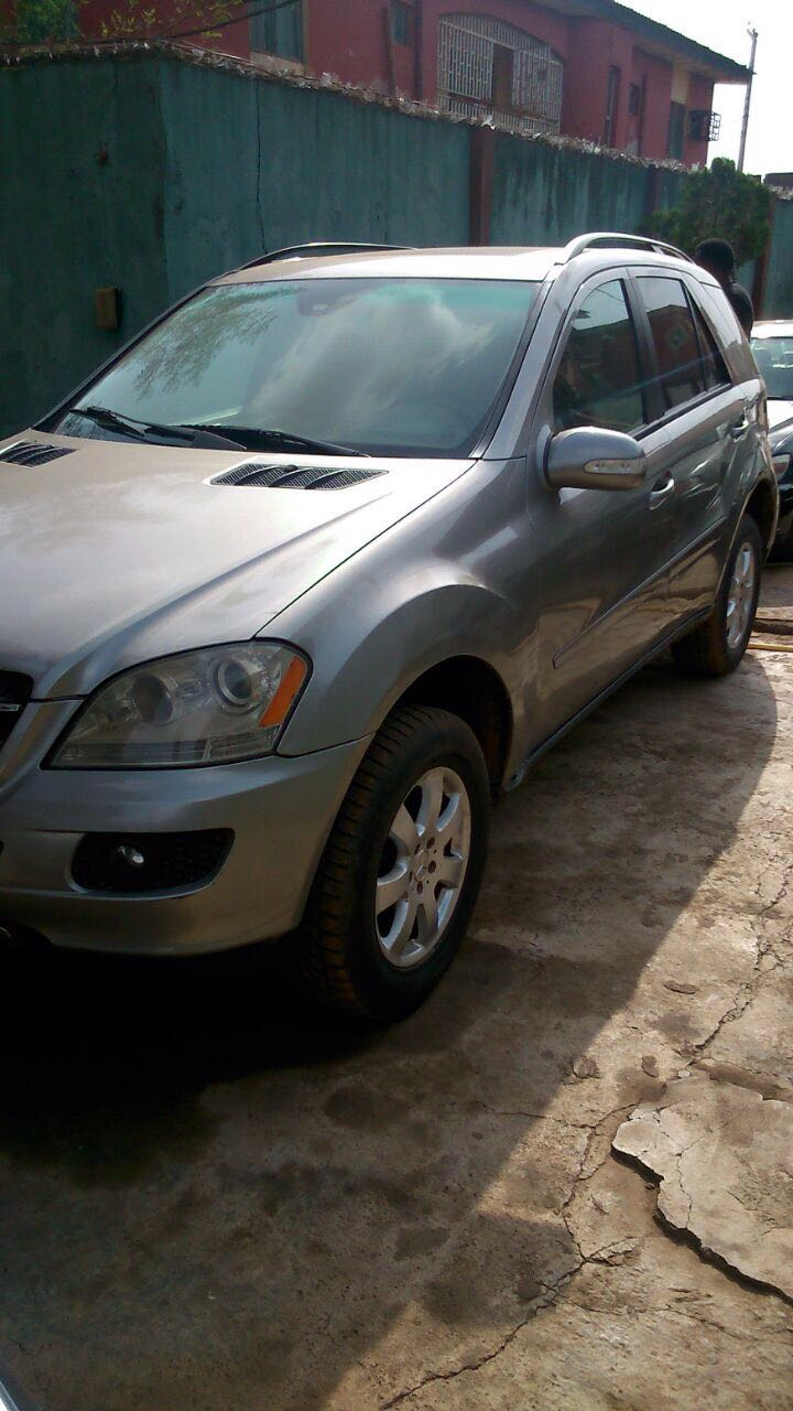 neatly used benz ml350 2007 model 4matic autos nigeria. Black Bedroom Furniture Sets. Home Design Ideas