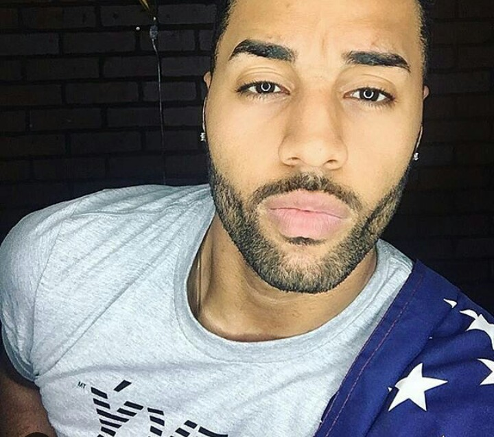 Sexy Light Skinned Black Men 9