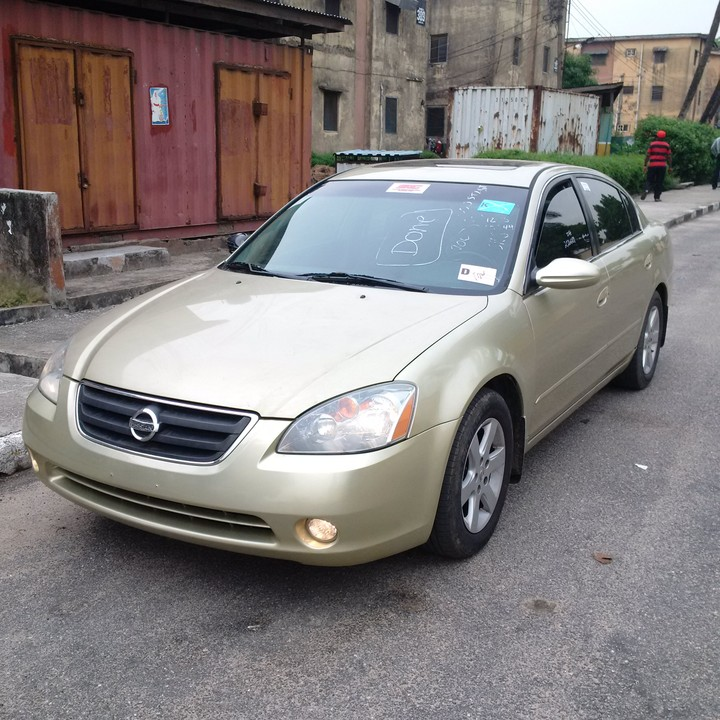 2005 nissan altima tincan cleared with black leather. Black Bedroom Furniture Sets. Home Design Ideas