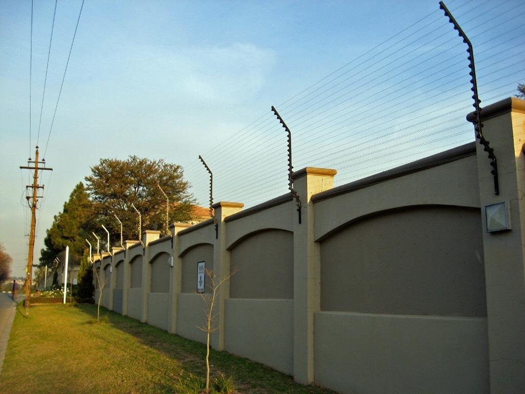 Best fence design in nigeria modern house