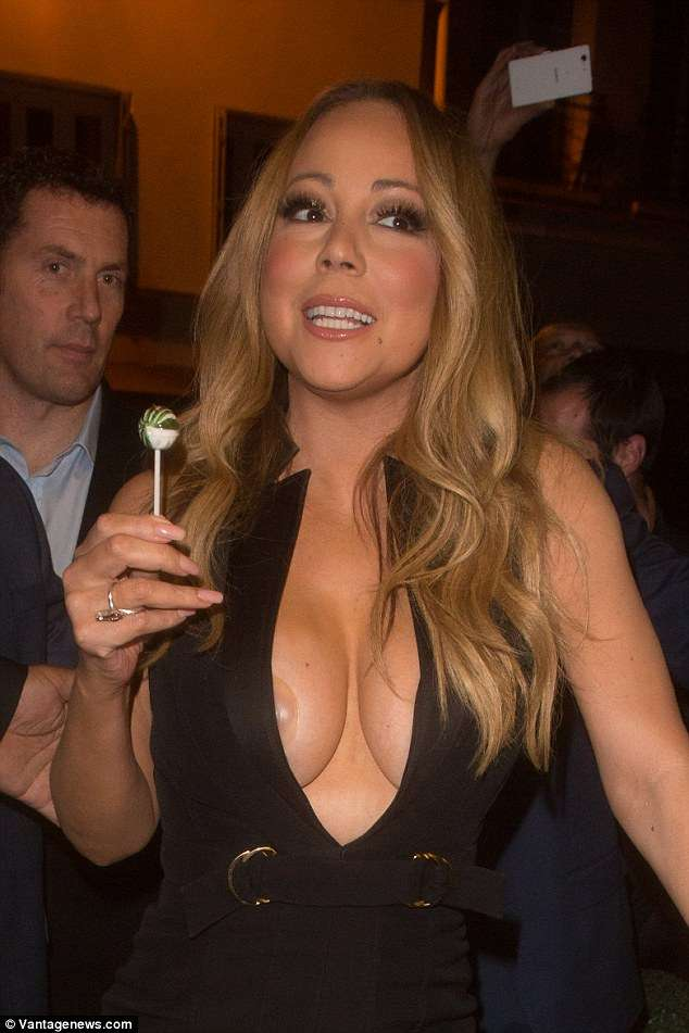 More Pictures On Entadaplace Com Maria Carey Nipple Slip