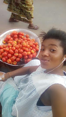 Check out this cooperate tomatoes seller