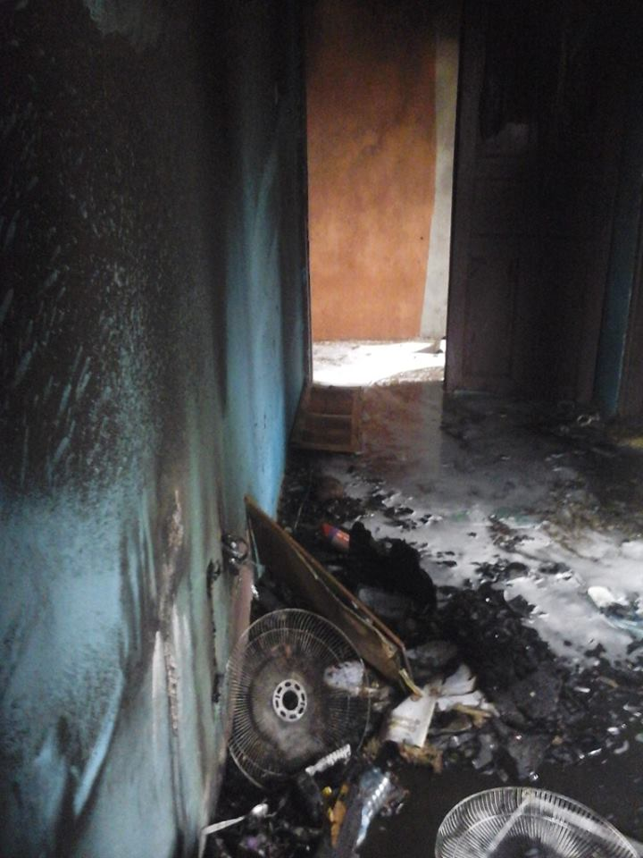 http://mynaijainfo.com/just-unizik-students-hostel-gutted-fire-awka-photos/