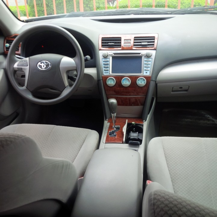 registered 2008 toyota camry le reverse camera dvd player bluetooth a. Black Bedroom Furniture Sets. Home Design Ideas