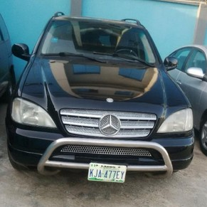 ml 430 mercedes benz 2002 model for sale at a give away. Black Bedroom Furniture Sets. Home Design Ideas