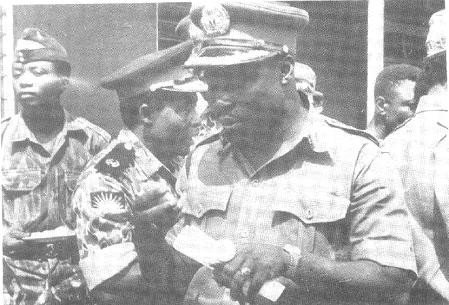 Philip Effiong and Obasanjo at the end of civil war
