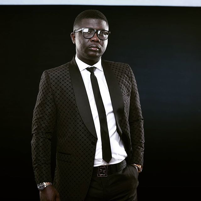 COMEDIAN SEYI LAW ATTACKED AT APONGBON, LAGOS – THE DETAILS WILL SHOCK YOU (GRAPHIC PHOTOS)