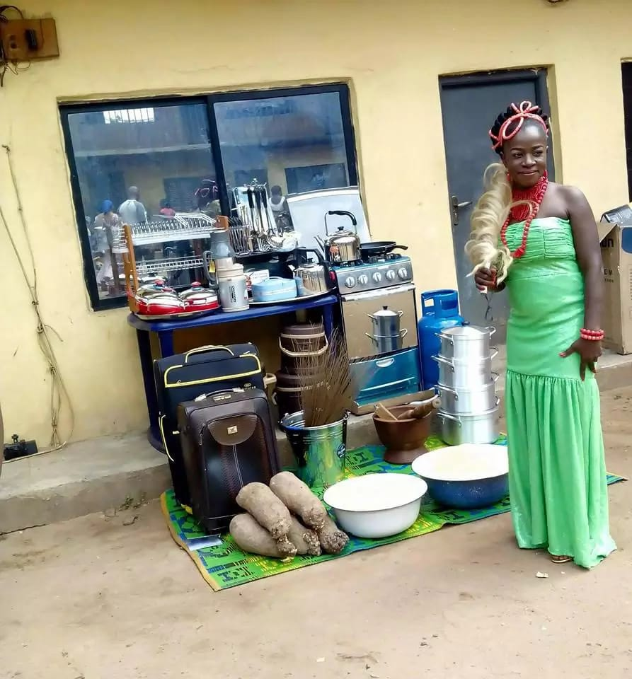 """Traditional Nigerian Wedding Gifts: Are Igbo Brides """"The Most Expensive"""" Brides In Nigeria"""