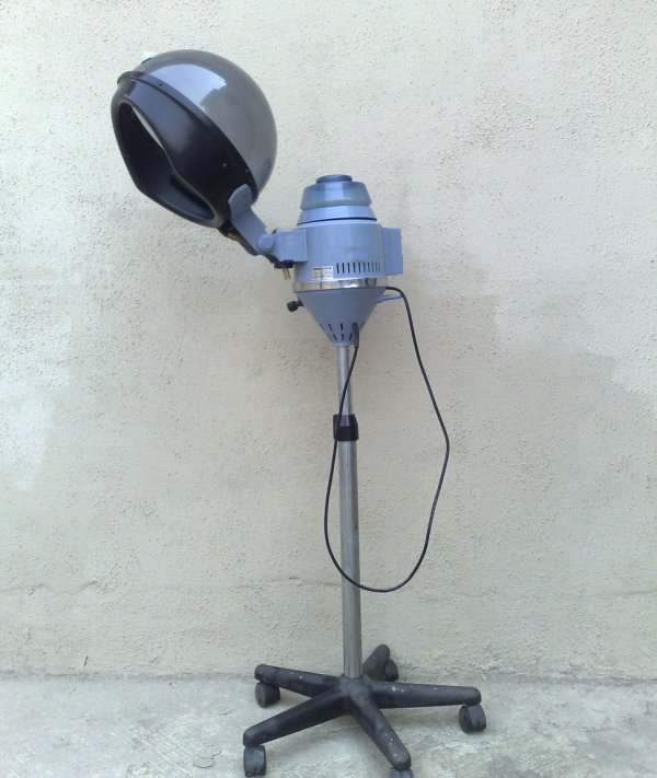 For Sale Steam Hair Dryer With Pic