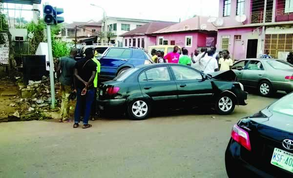 Enugu Motorists Lament As Faulty Traffic Lights Cause Accidents