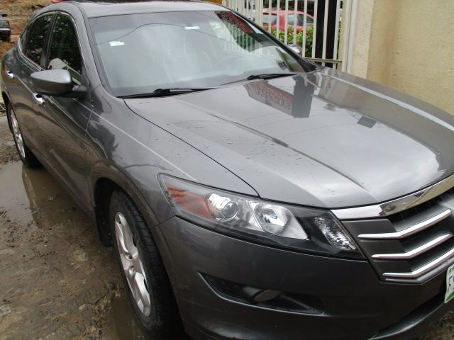 2010 honda crosstour in good n superb shape for sale autos nigeria. Black Bedroom Furniture Sets. Home Design Ideas