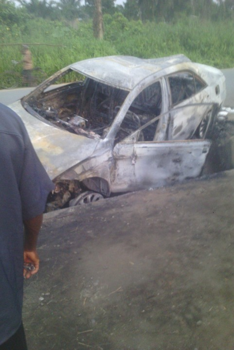 Female Corper Burnt to Ashes in Motor Accident  3876763_img20160622184546_jpege6d7d8197663bb8d325bf60a77f7d9bd